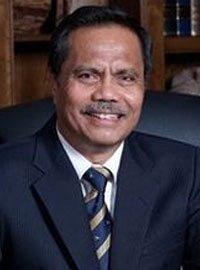 Dr. H. Shofwan Karim Elha, MA