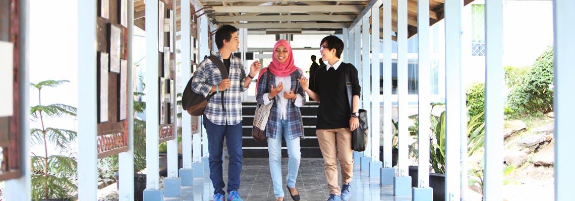 "Sekolah Tinggi Multi Media ""MMTC"" Yogyakarta"