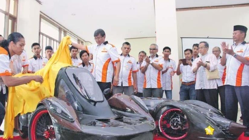 Ini Dia Mobil Listrik Karya Mahasiswa!
