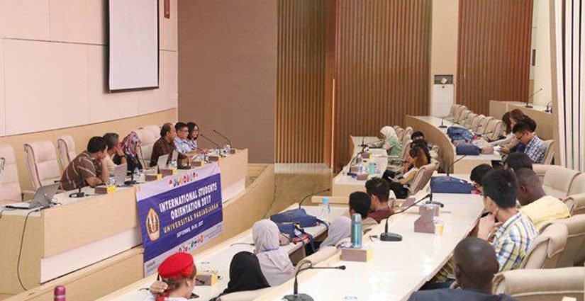 Unpad Gelar Orientasi Kampus Bagi 52 Mahasiswa Asing