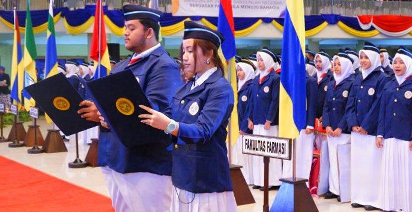 Rektor UNAIR Sambut 6.527 Mahasiswa Baru Tahun 2018