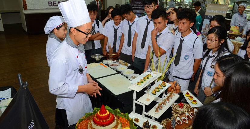 UPH Beri Layanan 'Private Consultation dan Campus Tour' Pada Siswa di Open Day-UPH Festival 25