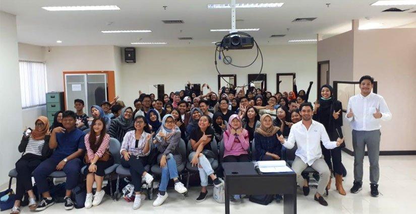 Reza Rahardian Jadi Pengajar Di Vokasi UI?