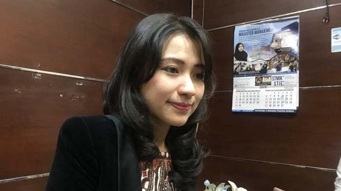 Melihat Profil Rektor Termuda Viral Risa Santoso yang Ijinkan Mahasiswa Lulus Tanpa Skripsi