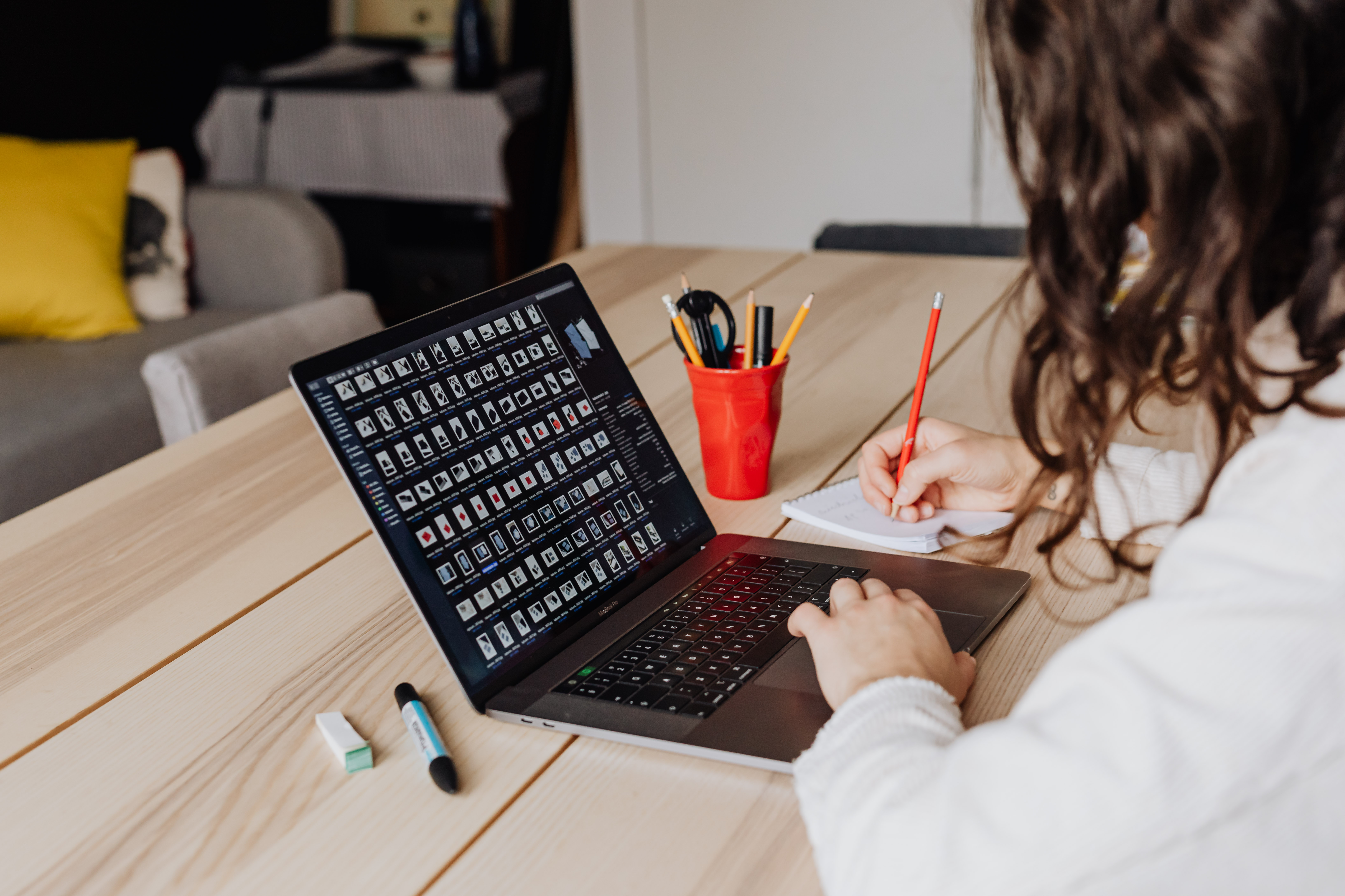 Butuh Layanan Konsultasi Psikologi Gratis Terkait Wabah Covid-19? Berikut 4 Perguruan Tinggi Negeri yang Buka Layanan Konsultasi Online Gratis